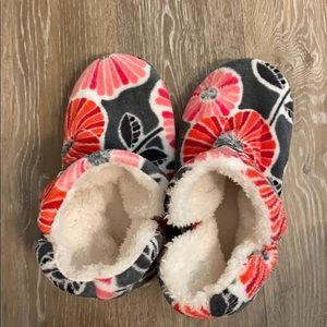 Super soft Vera Bradley slippers